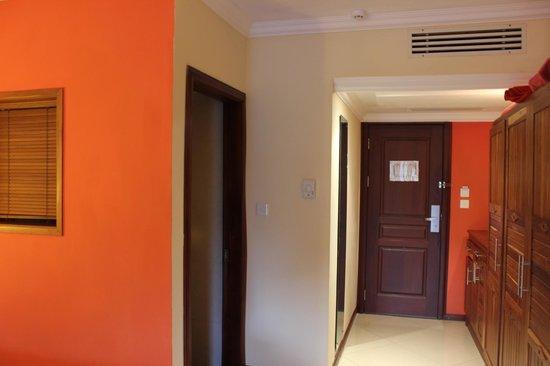 Jalsa Beach Hotel and Spa: Room Inside