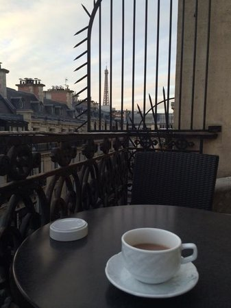 West-End Hotel : Having our coffee / hot chocolate on the terrace