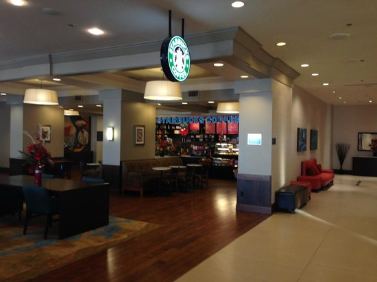 Niagara Falls Marriott on the Falls : Starbucks in lobby