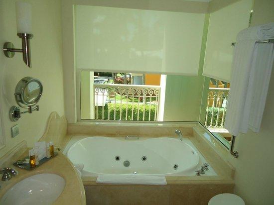 Iberostar Grand Hotel Bavaro: banheiro com vista panoramica