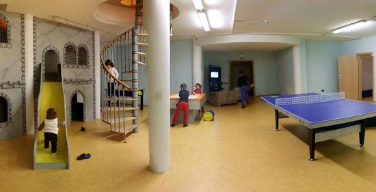 Hotel Alpin: Sala gioco sotto