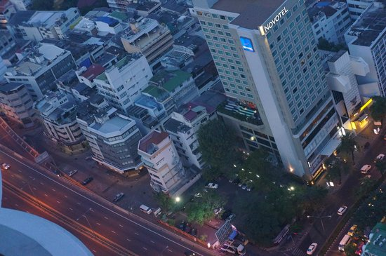 Tower Club at Lebua: Вид с балкона 56 этаж