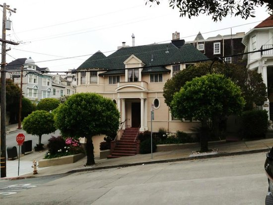 Holiday Inn San Francisco Golden Gateway : The house where 'Mrs Doubtfire' was filmed - a short walk from the hotel