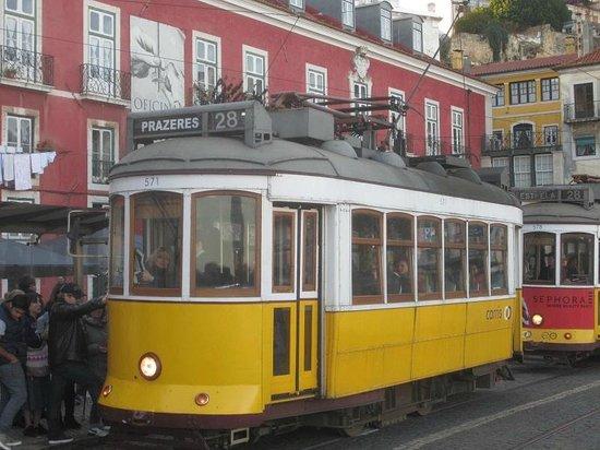 tram 28 sur miradouro santa luiza