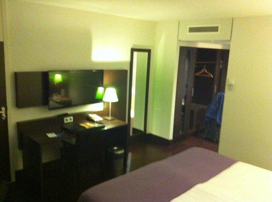 NH Maastricht: Room