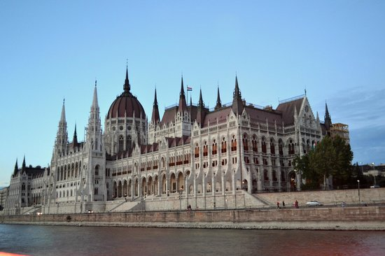 Parlement : From Buda