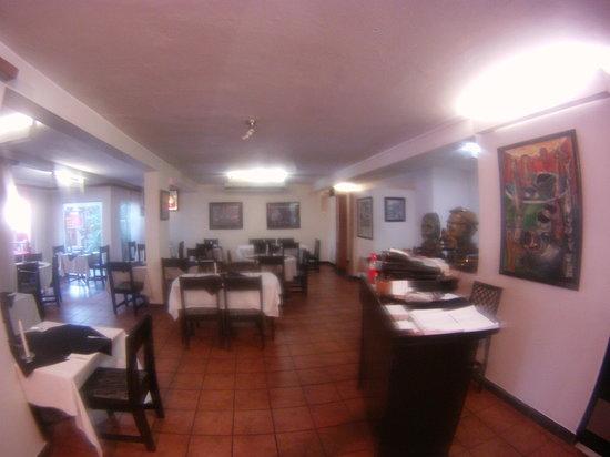 Alfredo's Restaurant : interior