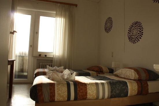 World House Wetten: Doppelzimmer mit Balkon
