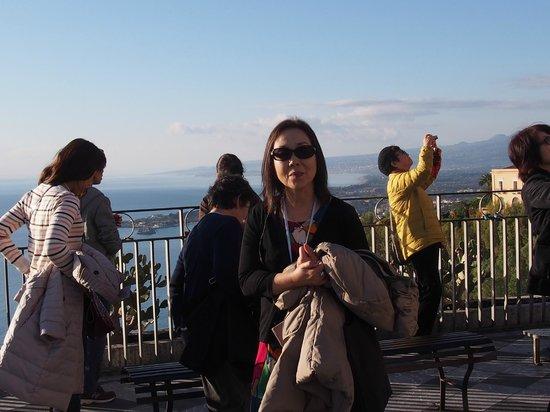 Monte Etna: エトナ山・・・タオルミーナ展望広場よりの眺望