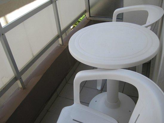 Amaryllis Hotel: Балкон номера