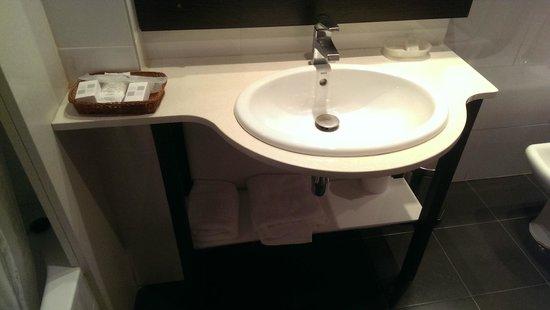 Hotel Bernat II : baño2