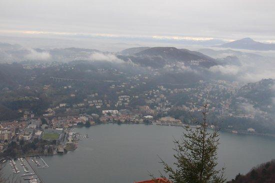 Brunate, Italia: Vista do Lago do Como