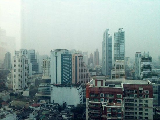 The Continent Hotel Bangkok by Compass Hospitality: View from Medini restaurant