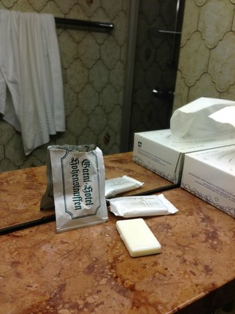 Hohenstauffen Hotel: Soap and shampoo