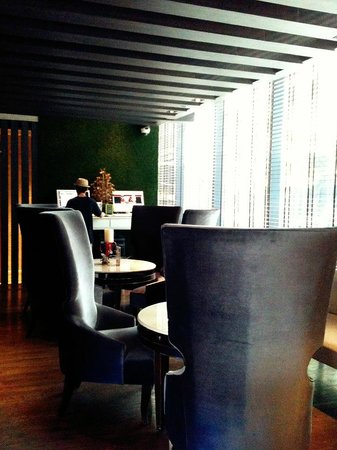 The Continent Hotel Bangkok by Compass Hospitality: Lobby area