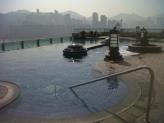 Harbour Grand Kowloon : SWIMMING POOL