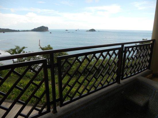Arenas del Mar Beachfront and Rainforest Resort, Manuel Antonio, Costa Rica : Balcony view