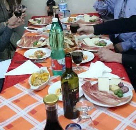 La Romana : ricco antipasto a base di prodotti locali