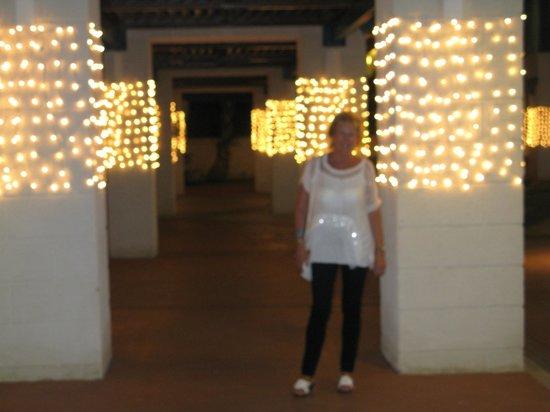 Hilton Barbados Resort: Entrance to car park