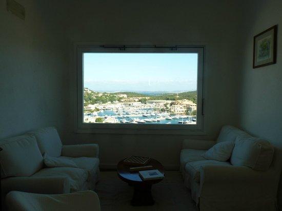 Hotel Luci di La Muntagna: Vista al puerto
