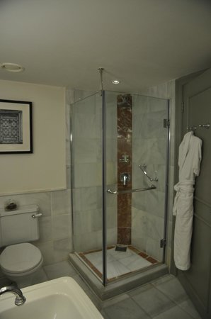 The Westin Dublin: bathroom - shower corner