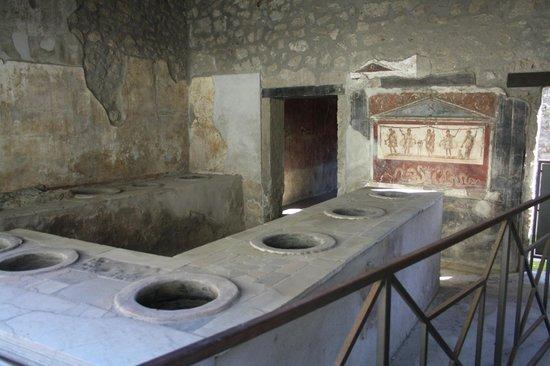 Pompeii - Parco Archeologico: Thermopolium