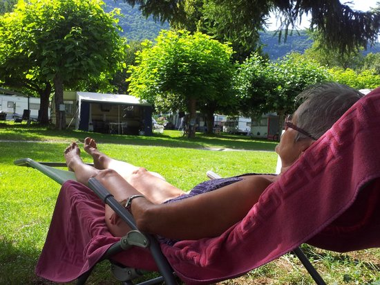 Camping Le Verger Fleuri: schaduw campeerplek