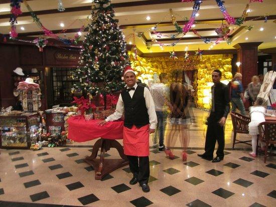 Menaville Resort : Рождественский вечер_Санта Клаус Абдулла