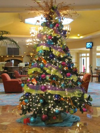 Atlantis, Beach Tower, Autograph Collection: Christmas tree in Beach Tower lobby Christmas 2013