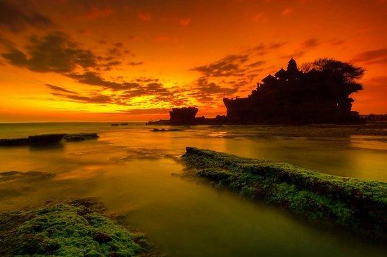 Pan Pacific Nirwana Bali Resort: Sunset at Tanah Lot