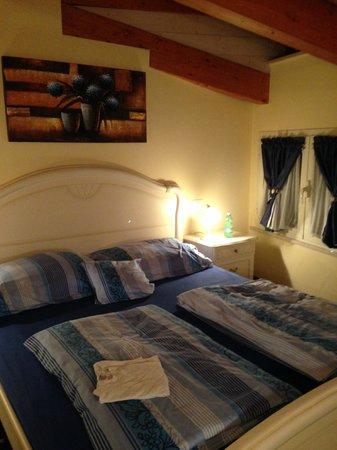 Hotel Borgo dei Poeti Wellness Resort: camera da letto