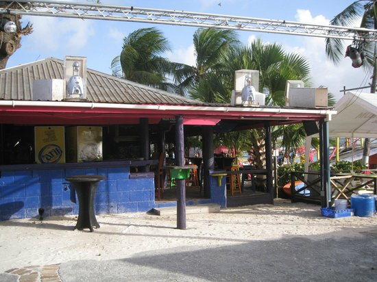 The Boatyard: Side of the bar and grill