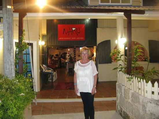 Naru Restaurant and Lounge : Me outside Naru