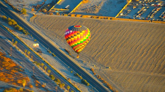 Havnfun Hot Air Ballooning: Another balloon below us