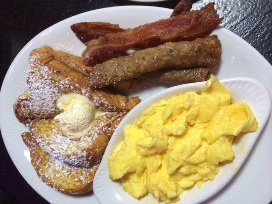 The Peppermill Restaurant & Fireside Lounge: French toast