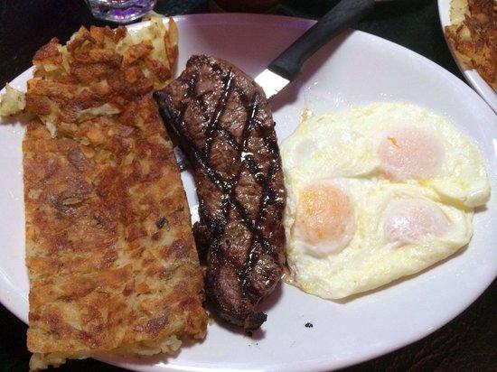 The Peppermill Restaurant & Fireside Lounge: Steak and eggs