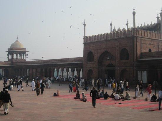 Jama Masjid: Buland Darwazza