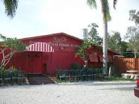 Red's Fresh Seafood House & Tavern: Bokeelia Location