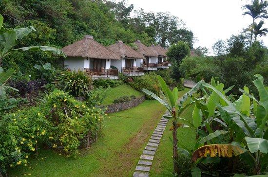 Kelimutu Crater Lakes Eco Lodge, Moni, Flores: Bungalows Außenansicht