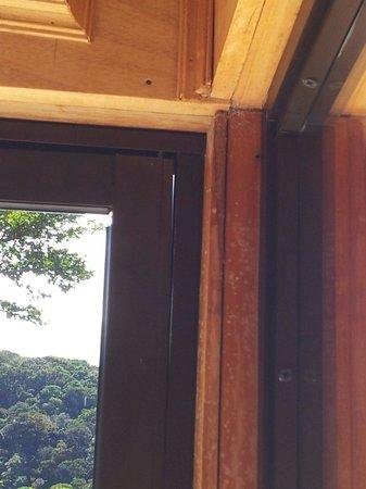 Hotel Belmar: le manque d'hermeticite sur certaines baies vitrées