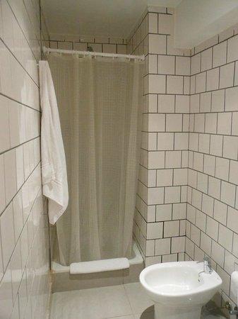 Pop Hotel: Cortinas de baño (con una hoja menos)