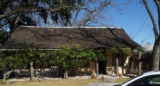 Austin Street Retreat: Maria's Cabin