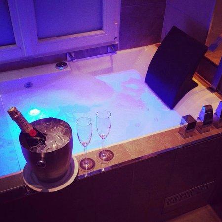 Bathroom Of Opera Room Picture Of Hotel Design Secret De Paris