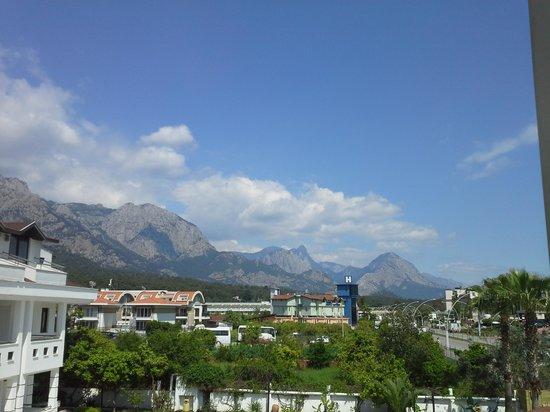 Minta Apart Hotel : вид на горы