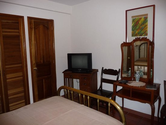 Hotel Posada San Francisco: Room with TV