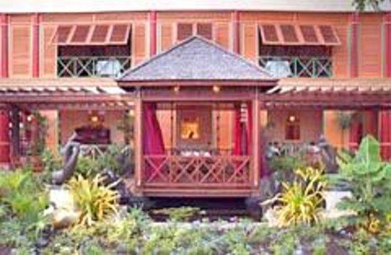 Apsara & Tamnak Thai Restaurant