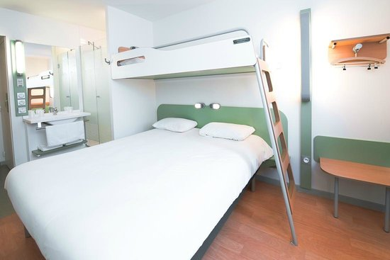 Ibis Budget Valence Sud : CHAMBRE STANDARD 1/2 OU 3 PERSONNES