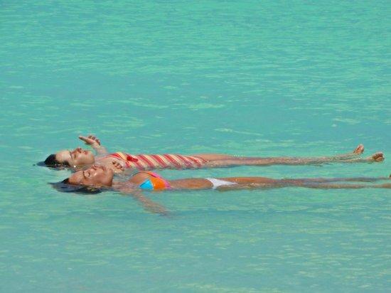 Playa Paraiso: una piscina en el mar