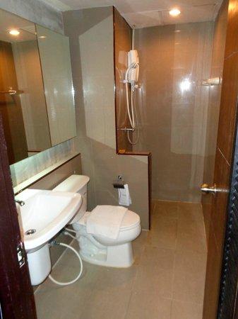 B2 Chiang Rai : Bathroom