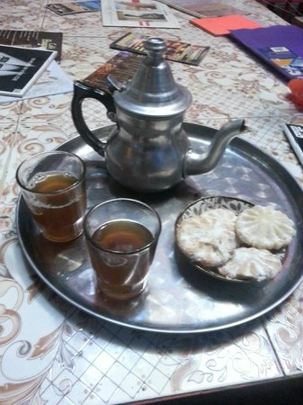 Rainbow Marrakech Hostel: Thé de bienvenue